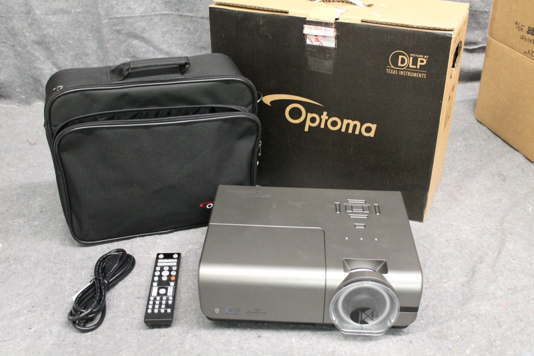 Optoma Technology EH500 Data Series DLP 3D Projector- 909 Hours Bundle