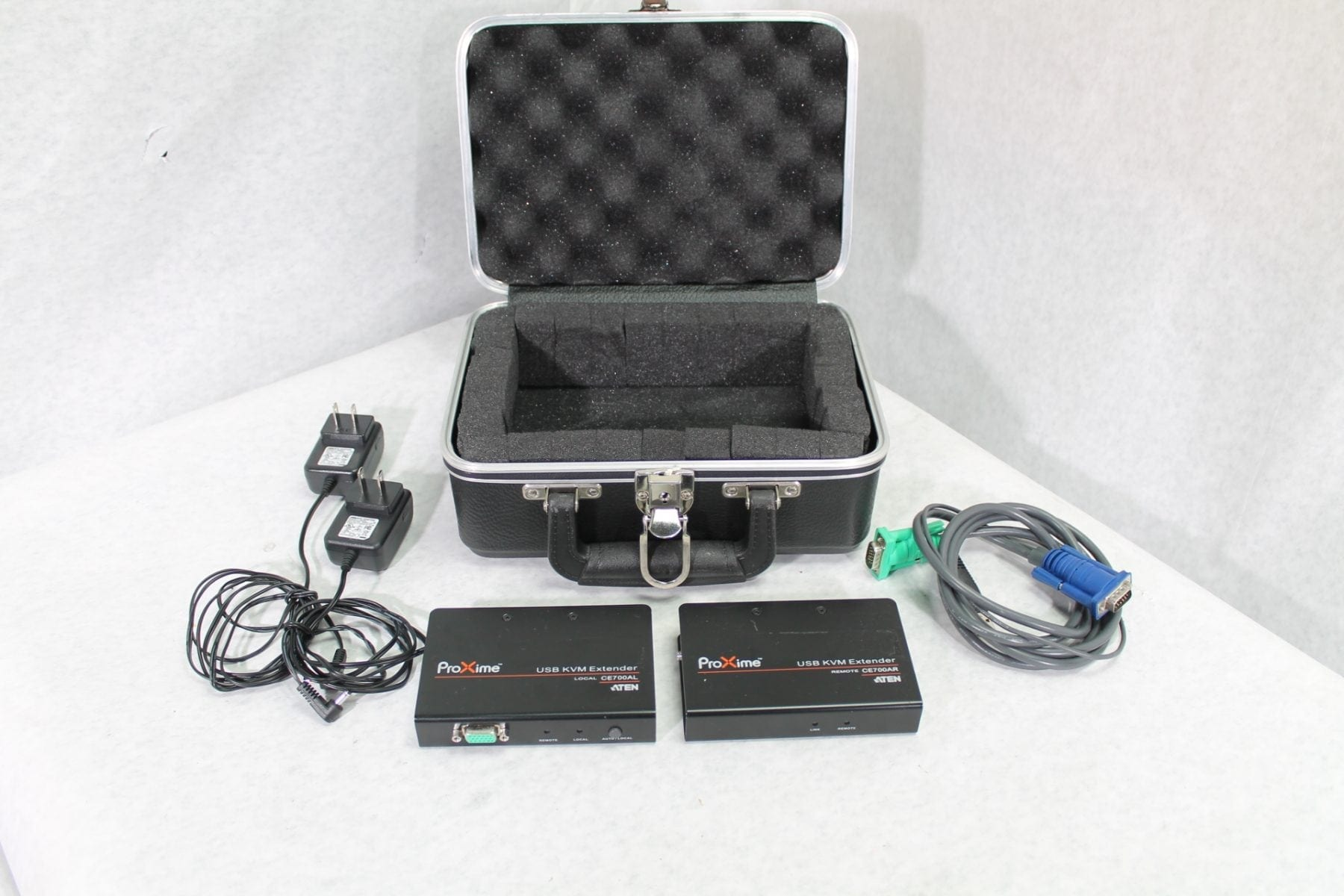 ATEN CE 700A Local & Remote KVM Extender Set w/Case Top