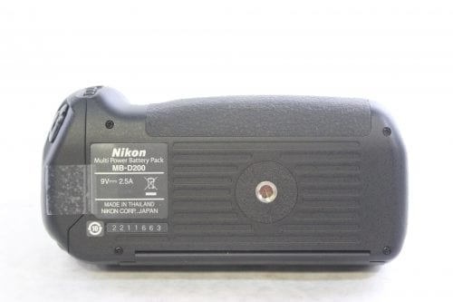 Nikon D200 10.2MP Digital Camera Kit battery Pack