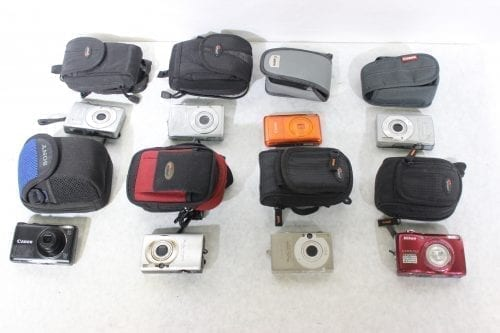 Canon Nikon Lot of 8 Point & Shoot Cameras w/ Carrying Cases Bulk1