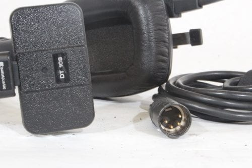 Beyer Dynamic DT 108 Series - Creme and Black - Pin connection