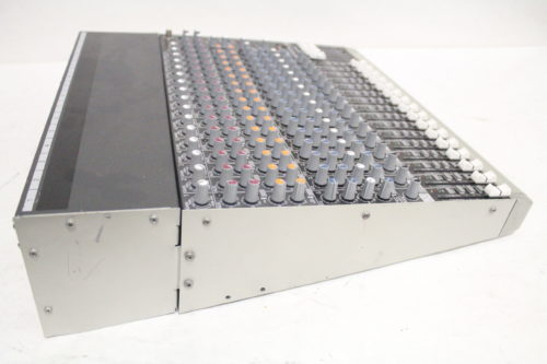 Mackie 1604-VLZ3 16-Channel Compact Mixer Side2