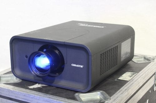 Christie LX700 LCD XGA Digital Projector w/ Road Case + Lens 1527 Lamp Hrs Main