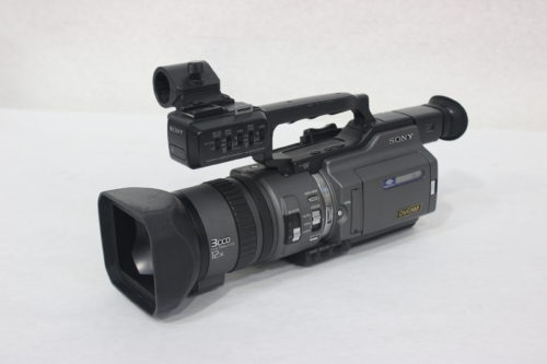 Sony DSR-PD150 3CCD Mini DVCAM Professional Camcorder w/ Road CaseMain