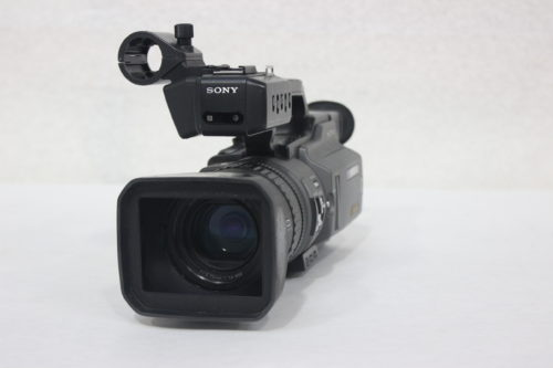 Sony DSR-PD150 3CCD Mini DVCAM Professional Camcorder w/ Road Case Front1