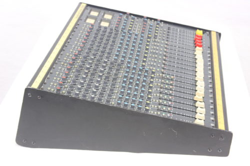 Vintage Soundcraft 200B 16-Channel 4 Bus Analog Mixing Console w/ Road Case Side2