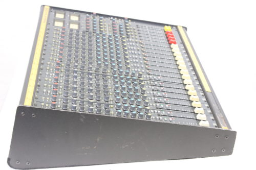 Vintage Soundcraft 200B 16-Channel 4 Bus Analog Mixing Console w/ Road Case (For Parts) Side1