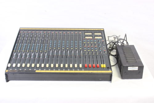 Vintage Soundcraft 200B 16-Channel 4 Bus Analog Mixing Console w/ Road Case (For Parts) Main