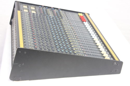Vintage Soundcraft 200B 16-Channel 4 Bus Analog Mixing Console w/ Road Case 1b Side3