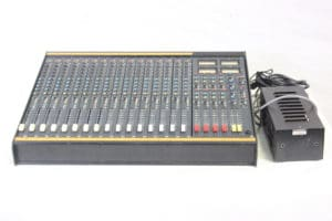Vintage Soundcraft 200B 16-Channel 4 Bus Analog Mixing Console w/ Road Case 1b Main