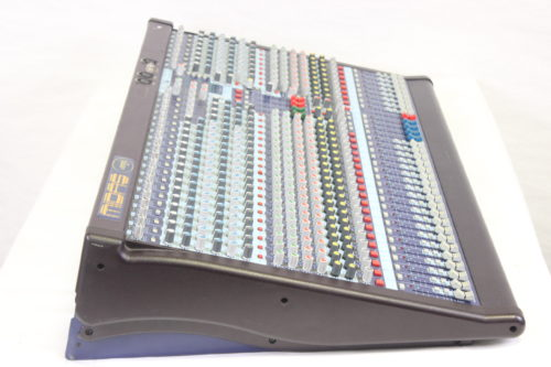 Midas Venice 320 Compact 32-Channel Mixer w/ Road Case Side1