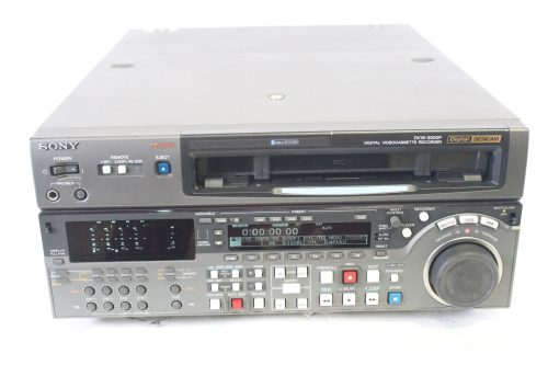 Sony DVW 2000P Digital Betacam Pal Editing VTR w/ Case front