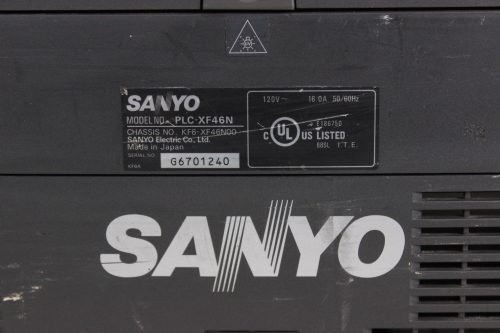 Sanyo PLC-XF46N Multimedia Projector w/ Lens & Road Case - 729 LAMP HOURS - LABEL