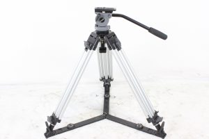 Miller DS-20 2 Stage Aluminum Tripod System w/ Miller Carrying Case (Silver) Main