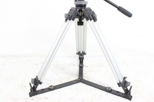 Miller DS-20 2 Stage Aluminum Tripod System w/ Miller Carrying Case (Silver) Bottom