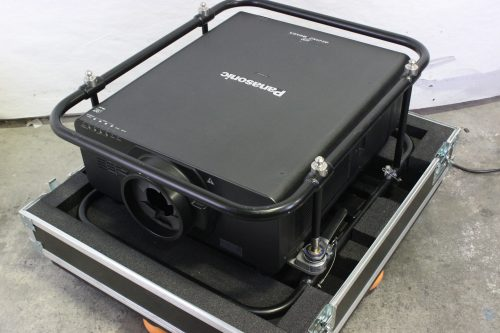 panasonic-20k-pt-dz21k2-projector-with-cage-in-wheeled-road-case CASE2