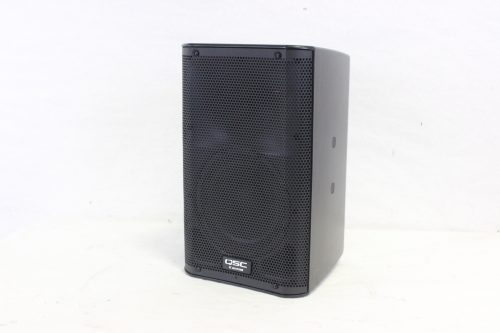 """QSC K8 - 105° 1000 W active 8"""" 2-way loudspeaker system with Soft Carrying Case side3"""