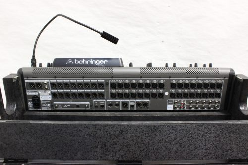 behringer-x-32-digital-mixing-console-with-road-case BACK4