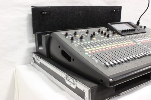 behringer-x-32-digital-mixing-console-with-road-case SIDE1