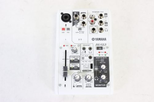 yamaha-ag03-3-channel-mixer-and-usb-audio-interface front