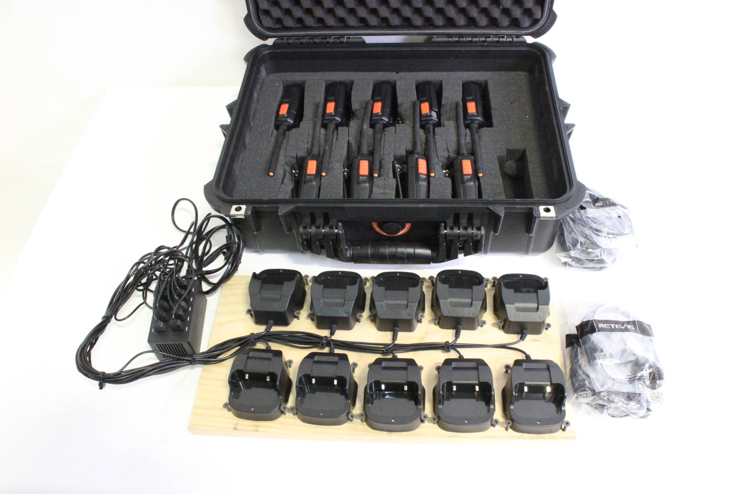retevis-h777-frs-two-way-business-radio-kit-9-h777-frs-radios-10-h777-charging-docks-9-2-pin-ptt-mic-covert-acoustic-tube-in-ear-earpiece-headset-w-apache-4800-hard-case main