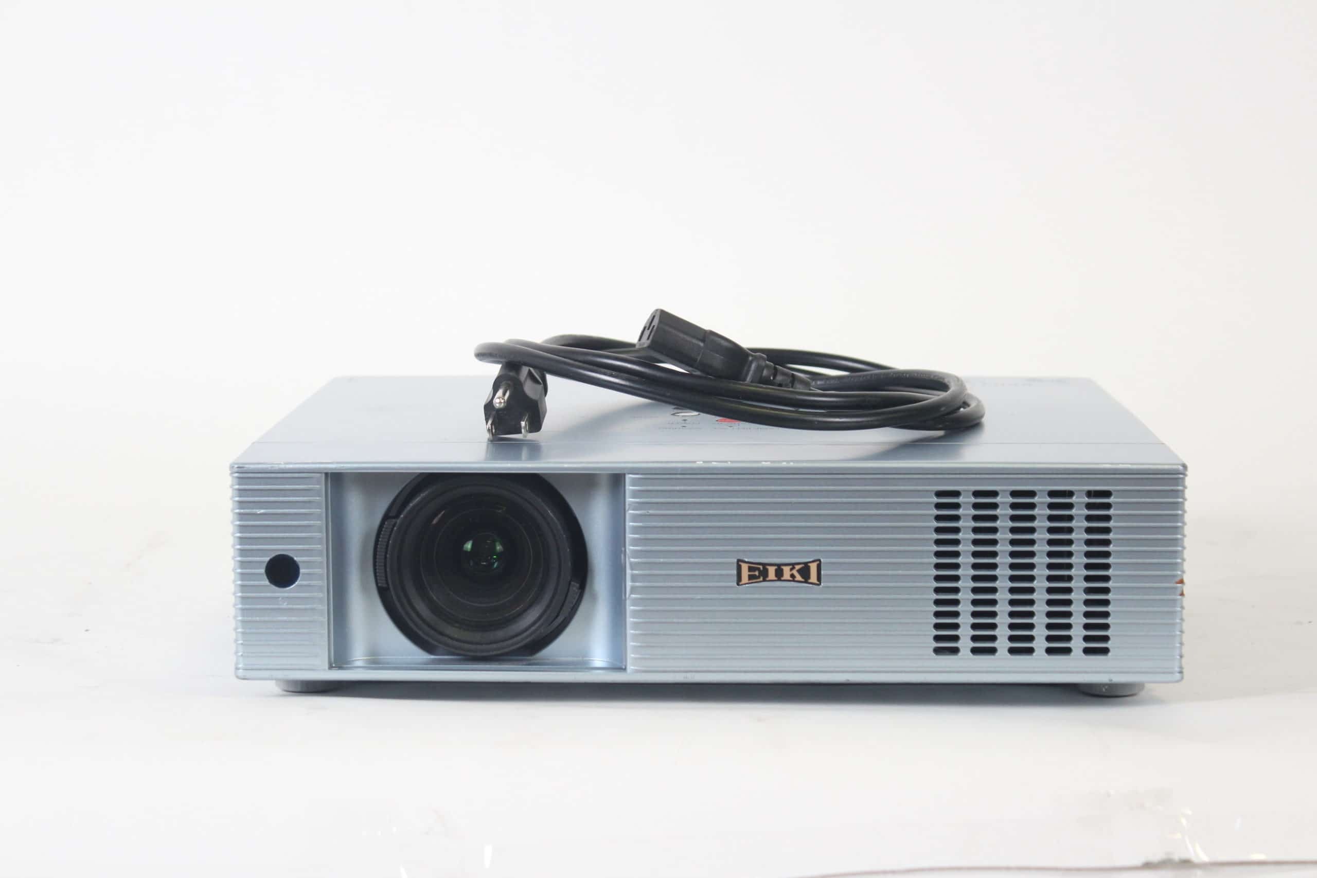 eiki-lc-xb43-xga-4500-lumen-3lcd-conference-room-projector-w-jelco-soft-case-1878-op-hours MAIN