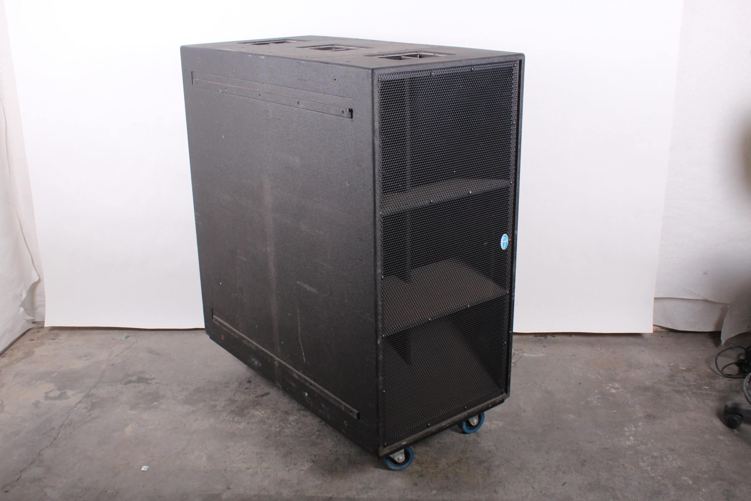 danley-sound-labs-dbh218-the-thumper-dual-18-bass-horn-commercial-pro-subwoofer-w-caster-wheels MAIN